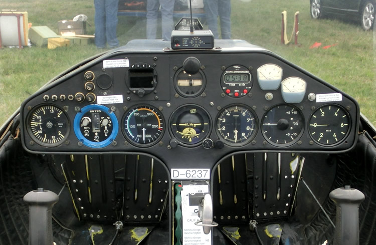Cockpit look with mouse over image: